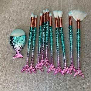 Mermaid makeup brushes 🧜🏼♀️